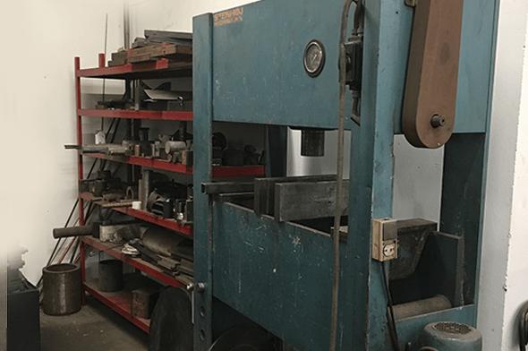 Presser - 100 ton hos Vestjysk Rustfri Montage